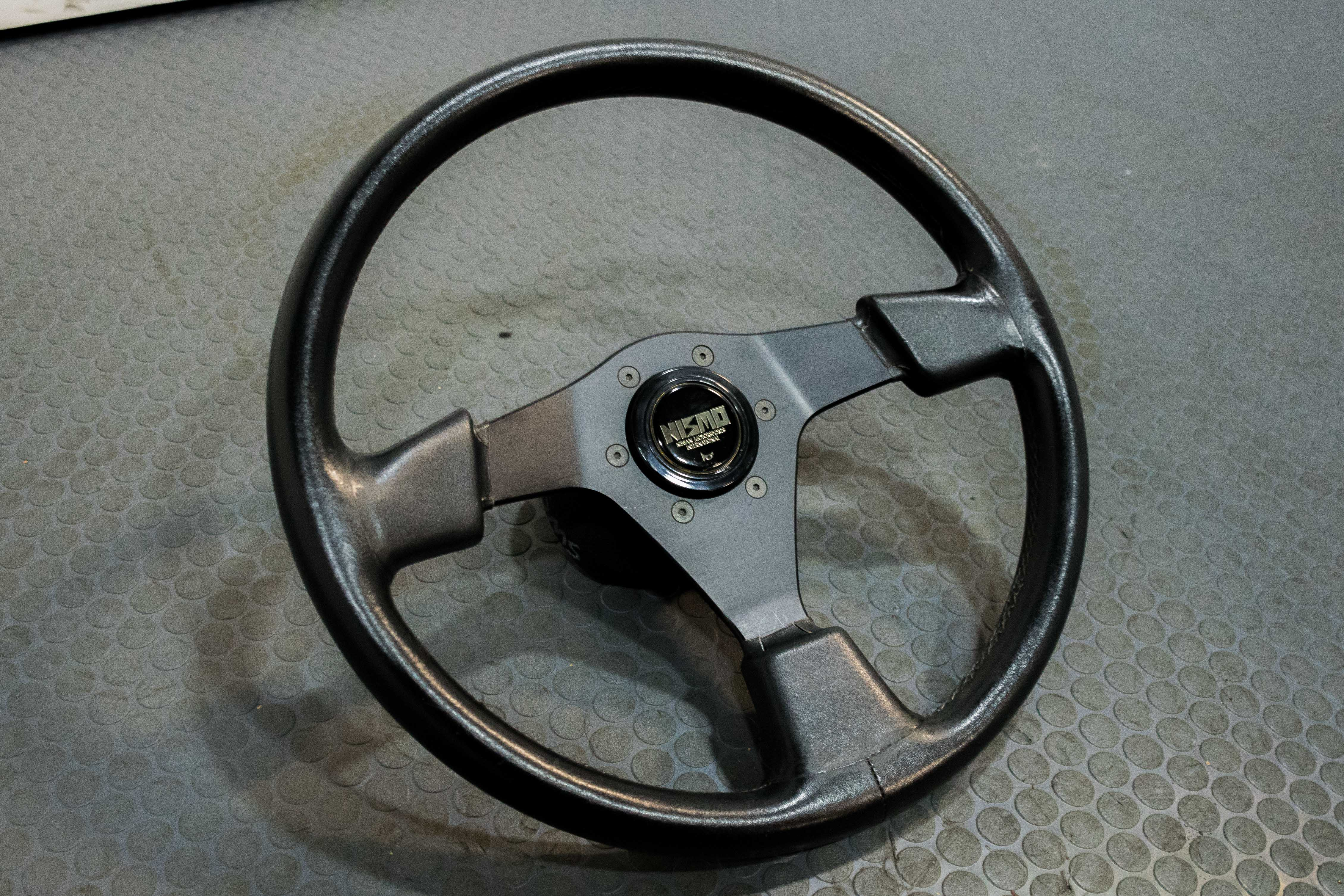 Jdm Used Personal Steering Wheel With Authentic Nismo Horn Button On Nissan Hub Steering Wheels J Spec Auto Sports