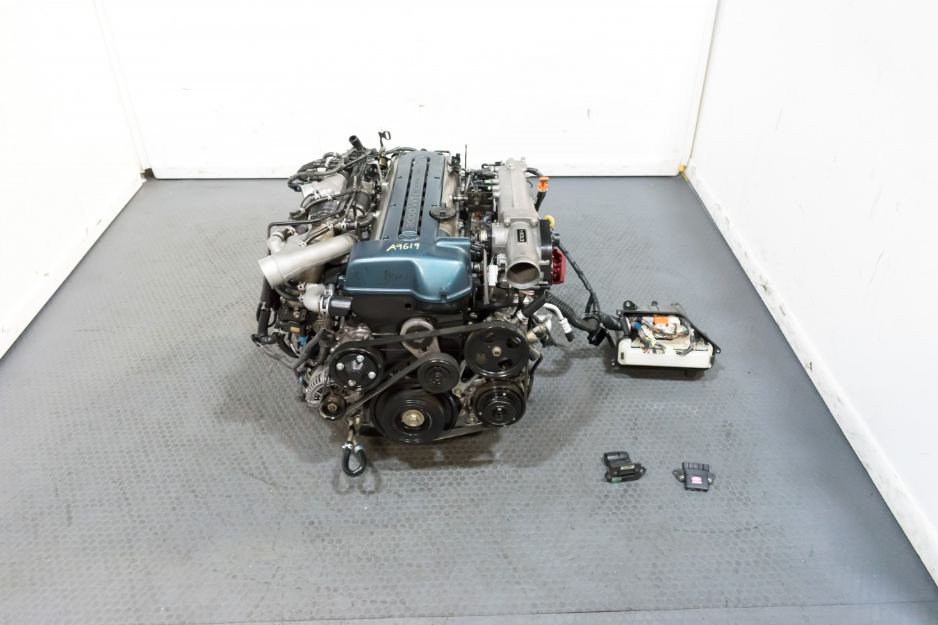 Low Mileage JDM Toyota Aristo Front Sump 2JZ Twin Turbo VVTI Engine with  Auto Transmission and Complete Harness